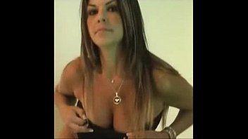 Vídeo da brasileira bibiana em exibição corporal