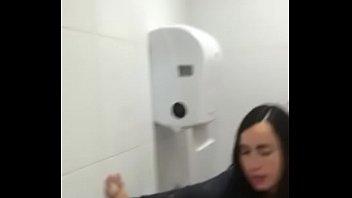 Video real de putaria brasileira com a putinha da faculdade