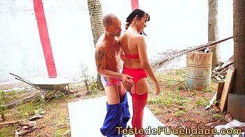 Porno com carioca gostosa dando no quintal