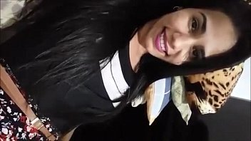 Novinha sapeca envia vídeo íntimo a amigo e cai na net