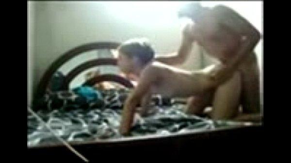 Caseira novinha dando gostoso na pornografia