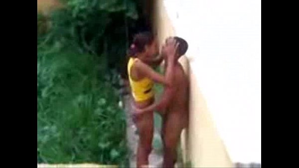 Flagrando casal noiado dando uma na rua
