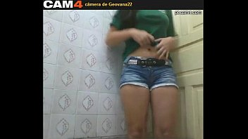 Gravando intimidade na webcam a tabaroa safadinha