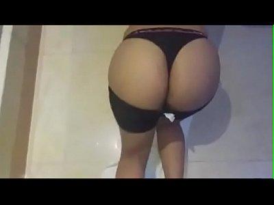 Personal brasileira caindo na net dando o cu