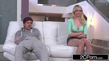 Branquinha linda fazendo sexo incesto com tio