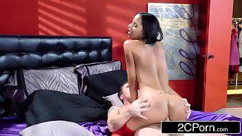 Novinha dando o cu no motel para o amante