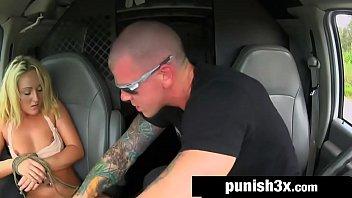 Tvbuceta mulher pediu carona e foi estuprada na estrada