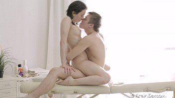 Baixar videoporno do massagista dando prazer a cliente