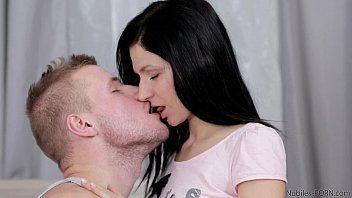 Atleta safado galeguinho em vídeo porno comendo xoxota