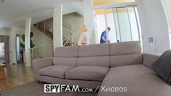 Brandi Love e amiga em vídeo tube dando gostoso
