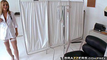 Brazzers doctor sacana comendo a enfermeira