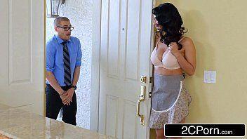 Porndo doido moreninha safada traindo o marido cego com o estudante de direito