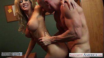 Porno secretaria safada trepando gostoso