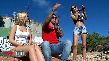 Sexo pornô grátis das loiras rabudas ao ar livre