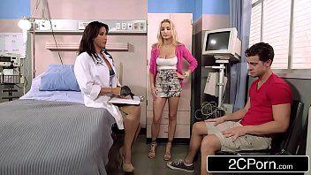 Paciente comendo enfermeira e a esposinha