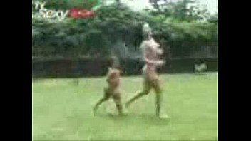 Porno grátis loira gostosa fazendo sexo com anão taradão