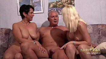 Porno incesto coroa metendo na enteada ao lado da sua mulher peladinha