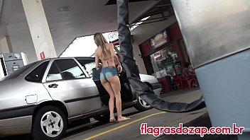 Postos de gasolina cheio de novinhas gostosas querendo abastecer