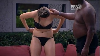 Caiu no xvideos Ana Paula mostrando a buceta no BBB16