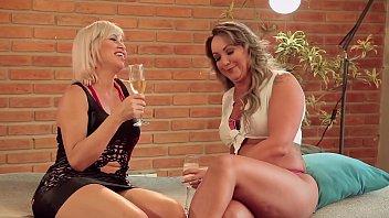 Pornor lésbicas lindas e gostosas dando bela trepada