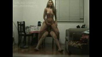 Vídeo porno loirinha linda e gostosa sentando cuzinho na rola