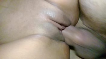Vídeo porno metendo na bunda e gozando gostoso