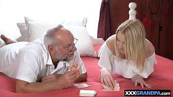 Sexo safado com padrasto comendo sua enteada safadinha