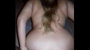 Xvideos branquinha gostosa sentando na vara assistindo porno com malandro