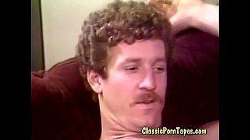 Assistir vídeo porno safada dando bela trepada com seu vizinho bigodinho