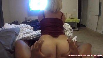 Filmando sexo com esposa da bunda branquela
