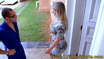 Loira no xvideos com Brasil fazendo putaria