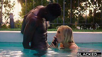 Negro fodendo patricinha no sexo porno interracial