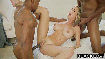Xxx video porno coroa loira transando com negros
