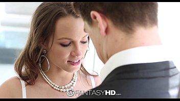 Mulher gostosa em cena de sexo transando forte