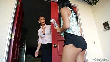 Porno Brasil de safada fazendo putaria com amiga