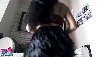 Video porno de travestis safada se mostrando rebolando