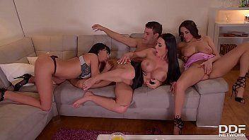 Pirocudo fazendo suruba com putas gostosas