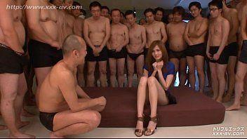 Suruba com japonesa e a galera do futebol