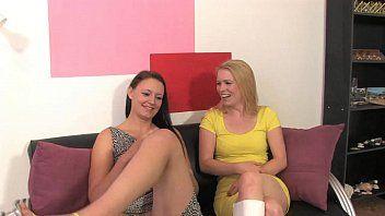 Amigas se masturbando juntas pra webcam